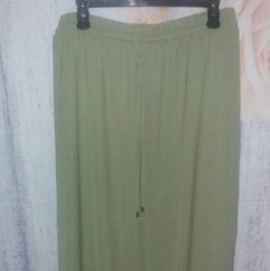 Maxi Skirt Green Large 12-14 NWOT